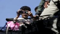 """ميدل ايست آى: يتم تجويعهم حتى الموت وتعذيبهم.. """"الصحافة"""" أخطر وظيفة في اليمن (ترجمة خاصة)"""